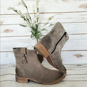 NWT | Crevo Linley Suede Boots - 6.5